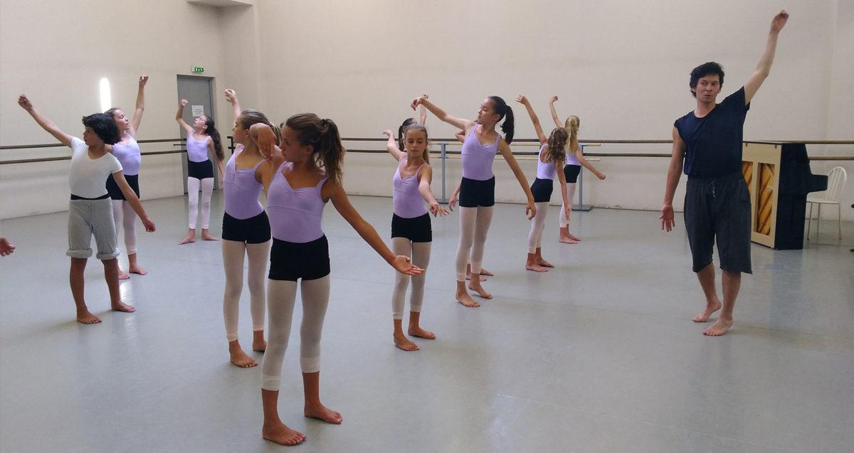 Eric Minh Cuong Castaing a auditionné les élèves du cycle 2 du cursus Danse-Etudes pour le prochain spectacle de la Cie Shonen